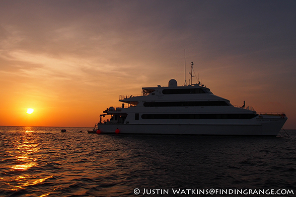 Olympus OM-D E-M5 and 12mm F2.0 - Four Seasons Explorer in the Maldives-1