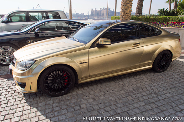 Dubai-Gold-Plated-Mercedes-Benz-C63-Olympus-OM-D-E-M5-12mm-F2.0