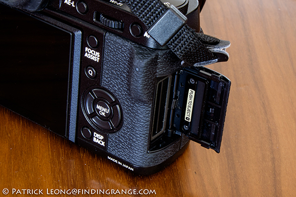 Fuji-X-T1-SD-slot-Review