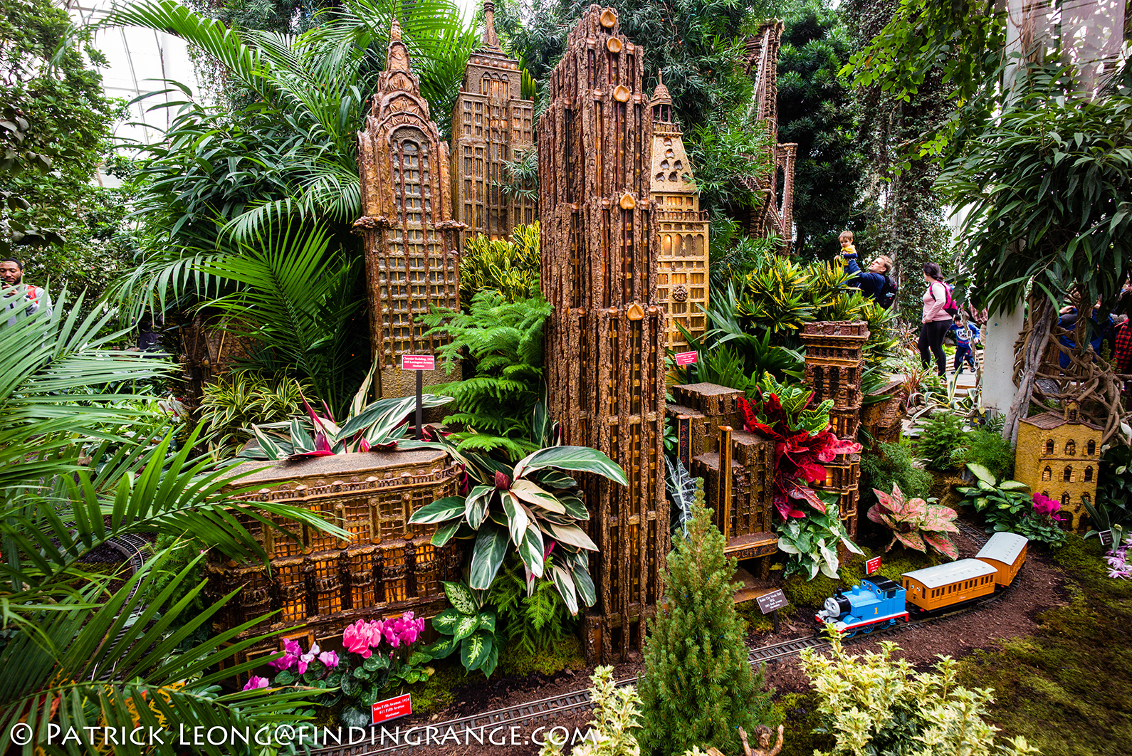 holiday train show new york botanical garden leica - Bronx Botanical Garden Train Show