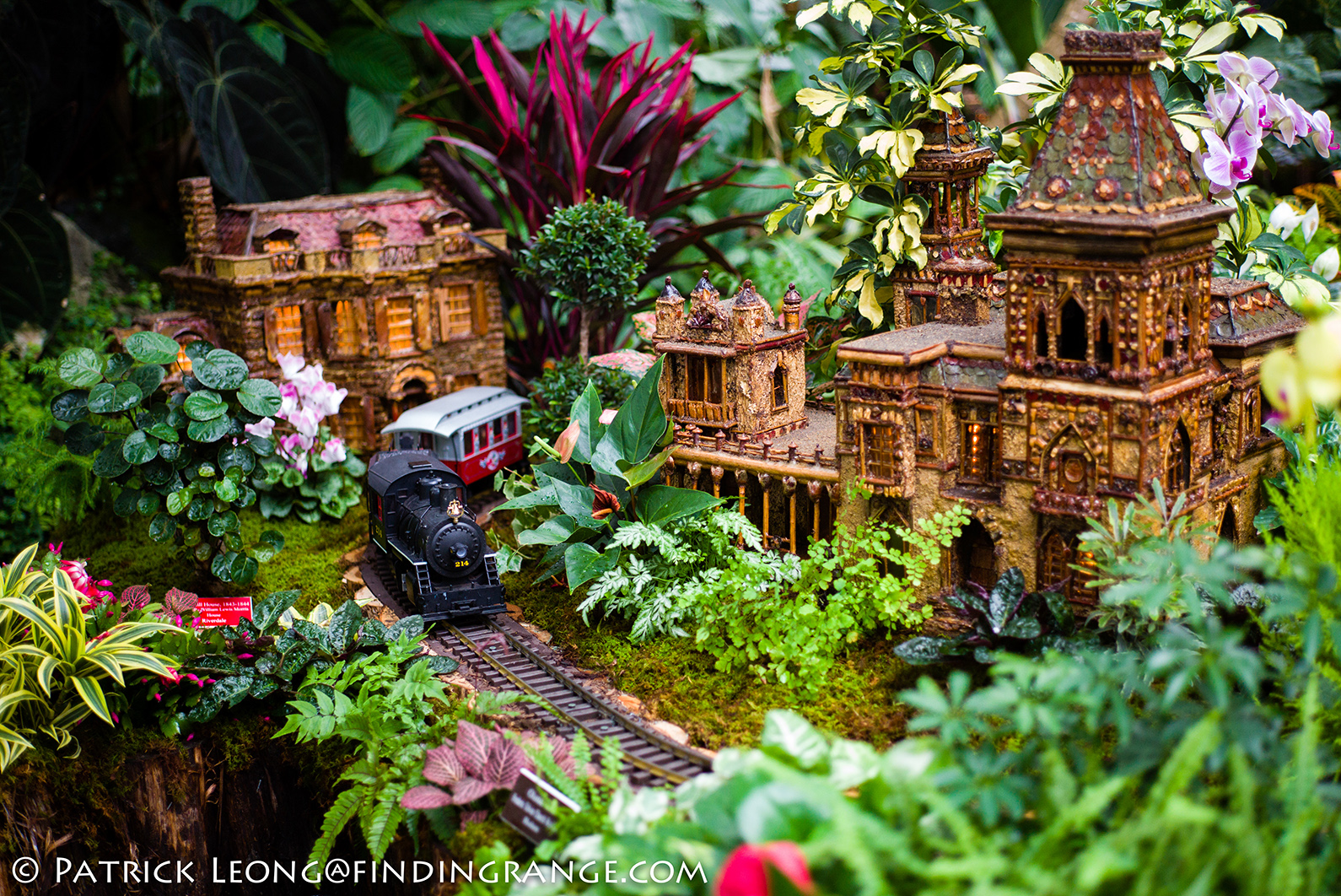 Beau Holiday Train Show New York Botanical Garden Leica
