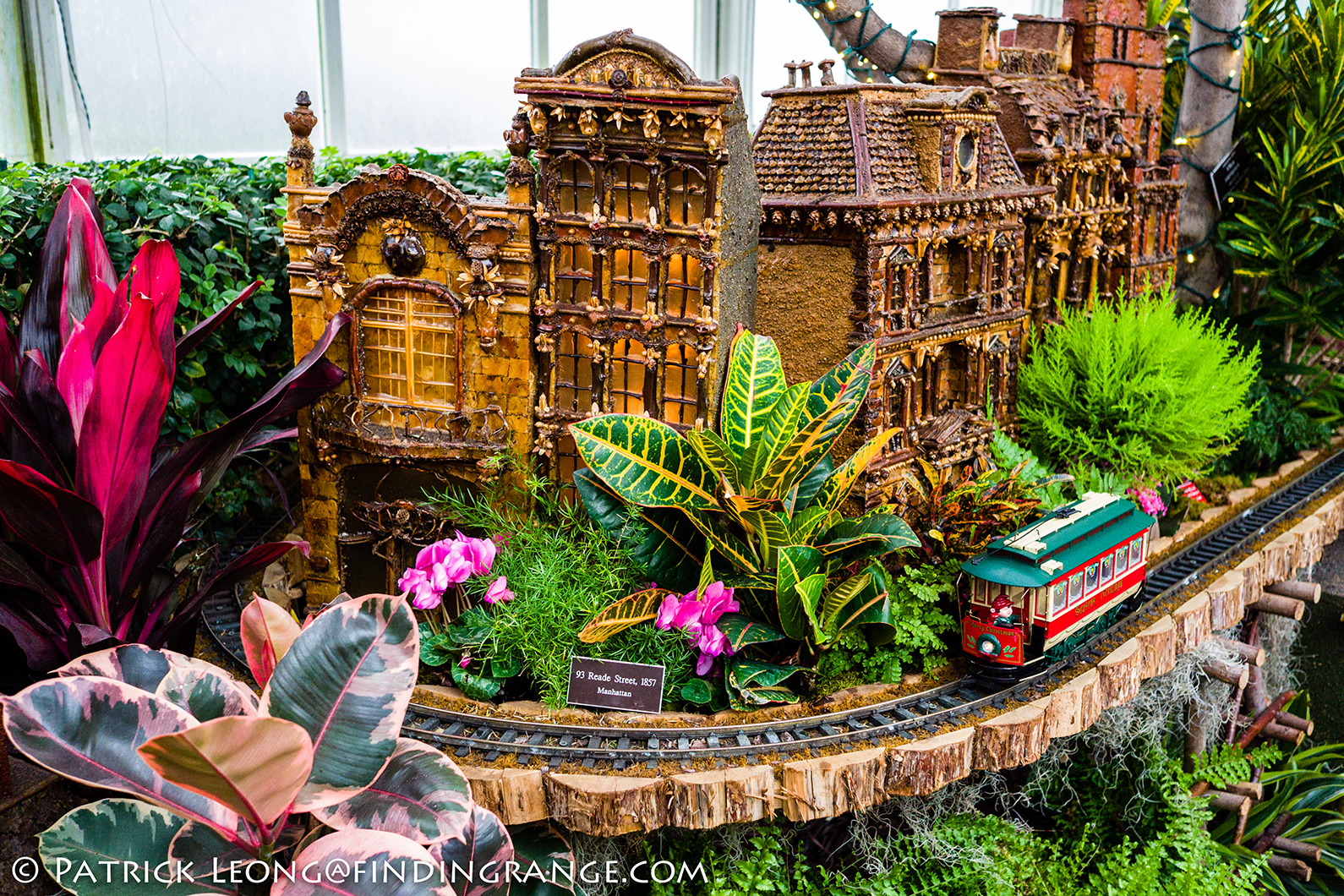 Leica X Typ 113 Pics From The Holiday Train Show