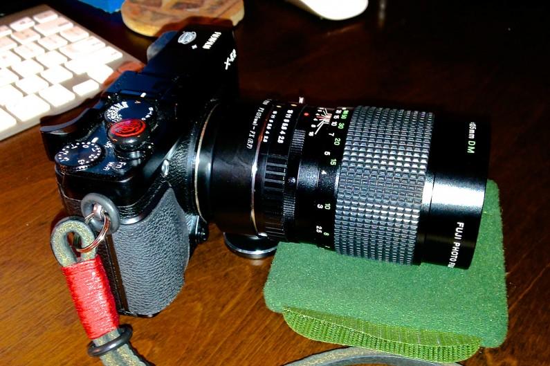 Fuji-X-E2-Fujinon-135mm-f2-SLR-Lens-Fotodiox-Adapter-3