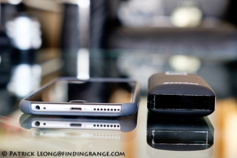 EasyAcc-Classic-Gen2-6400-mAh-Power-Bank-Review-iPhone-6-Plus-2