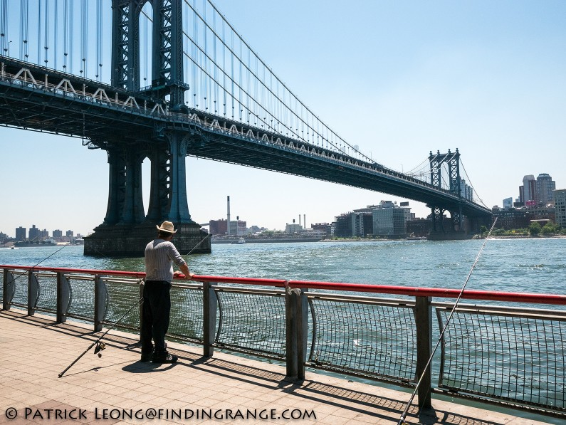 Panasonic-Lumix-GX85-15mm-Summilux-f1.7-ASPH-Manhattan-Bridge-Street-Candid-Fisherman-1