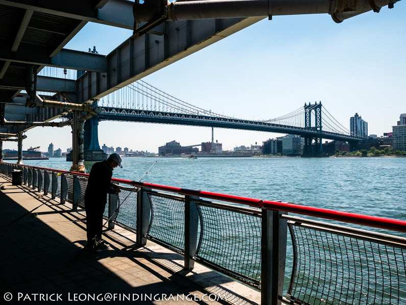 Panasonic-Lumix-GX85-15mm-Summilux-f1.7-ASPH-Manhattan-Bridge-Street-Candid-Fisherman-2