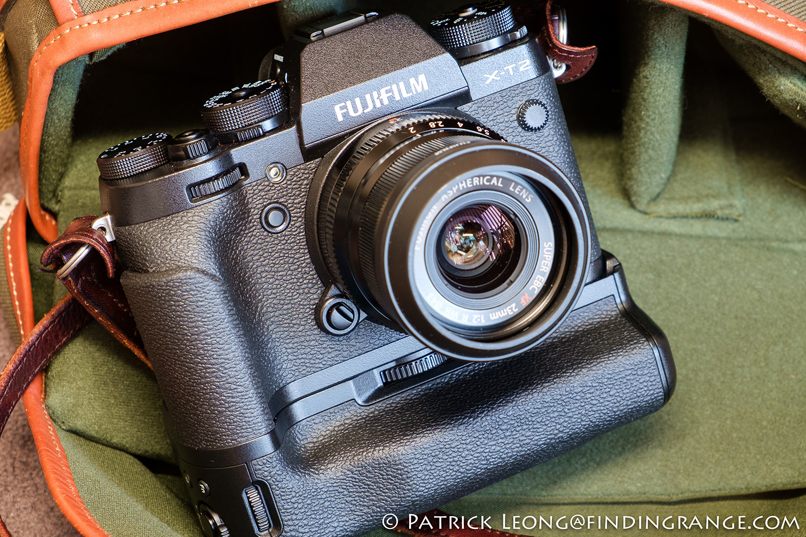 fuji-x-t2-xf-23mm-f2-r-wr-lens-review-vpb-xt2-vertical-booster-grip-1