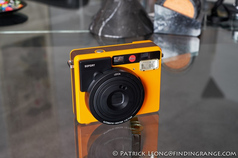 Leica-Sofort-Orange-First-Impressions-Review-1