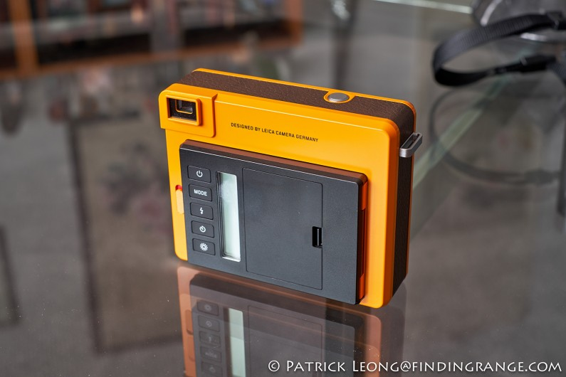 Leica-Sofort-Orange-First-Impressions-Review-3
