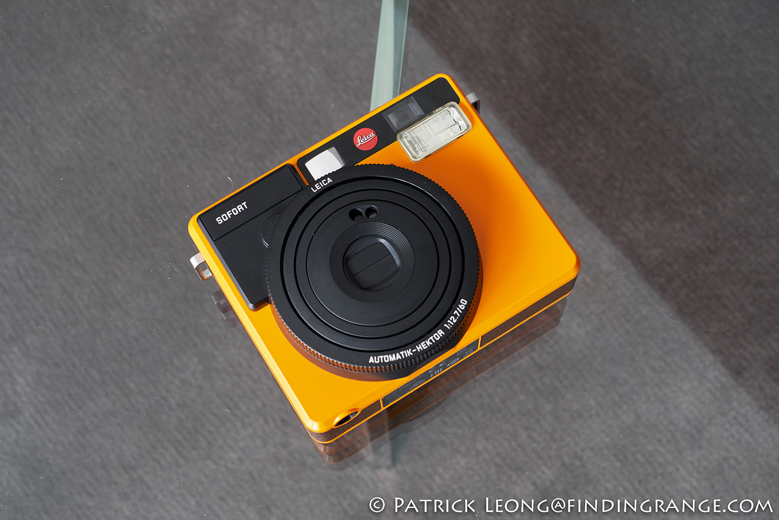 Leica-Sofort-Orange-First-Impressions-Review-5